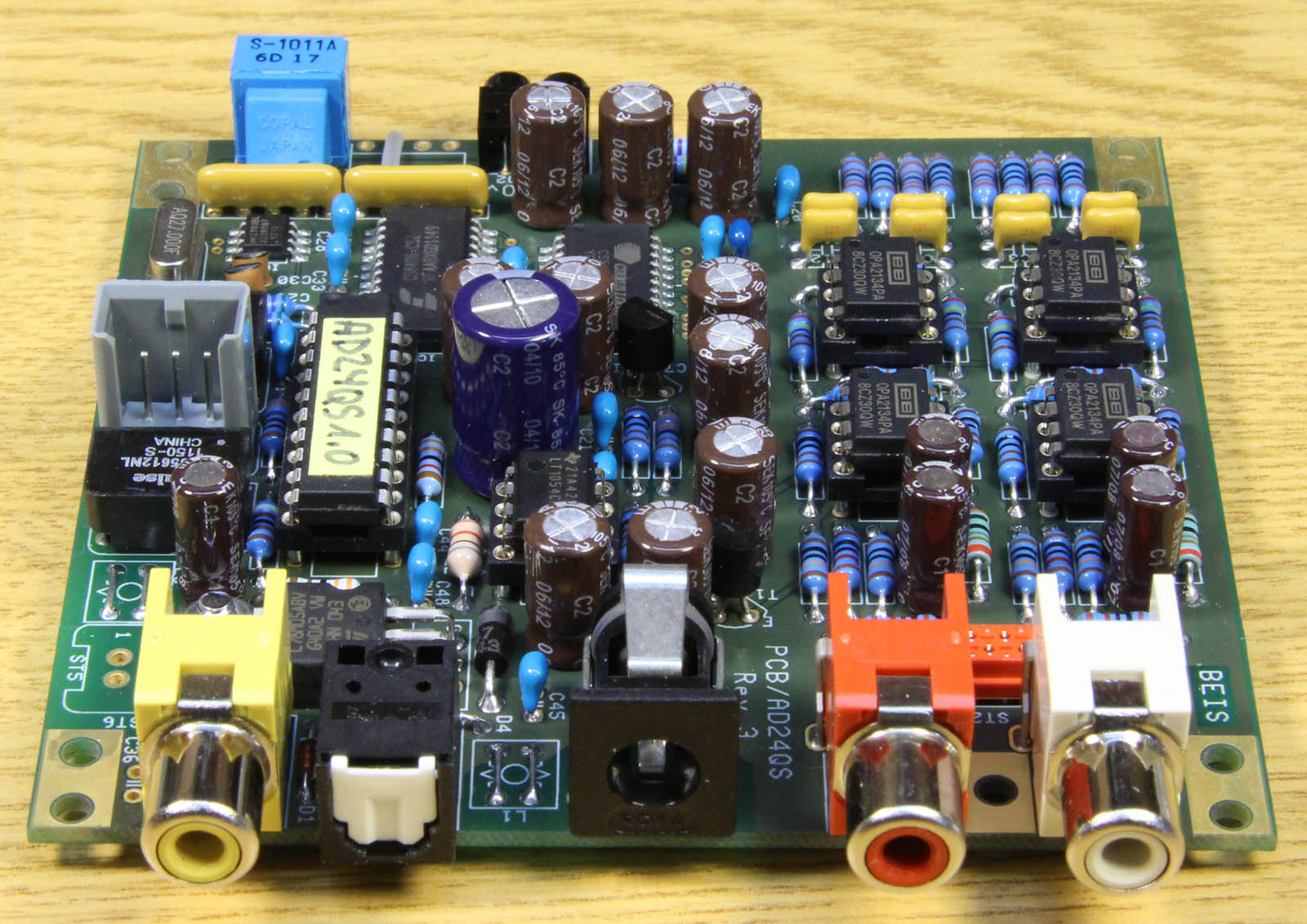 Ad24qs Audio Analog To Digital Converter 24 Bit 192 Khz Wiring Diagram Moreover Xlr 1 4 Mono On Trs Rca The Unbalanced Inputs Have A Sensitivity Matching Usual Cd Or Dvd Player Output Level Of 2 Vrms
